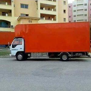 سيارة نقل اثاث